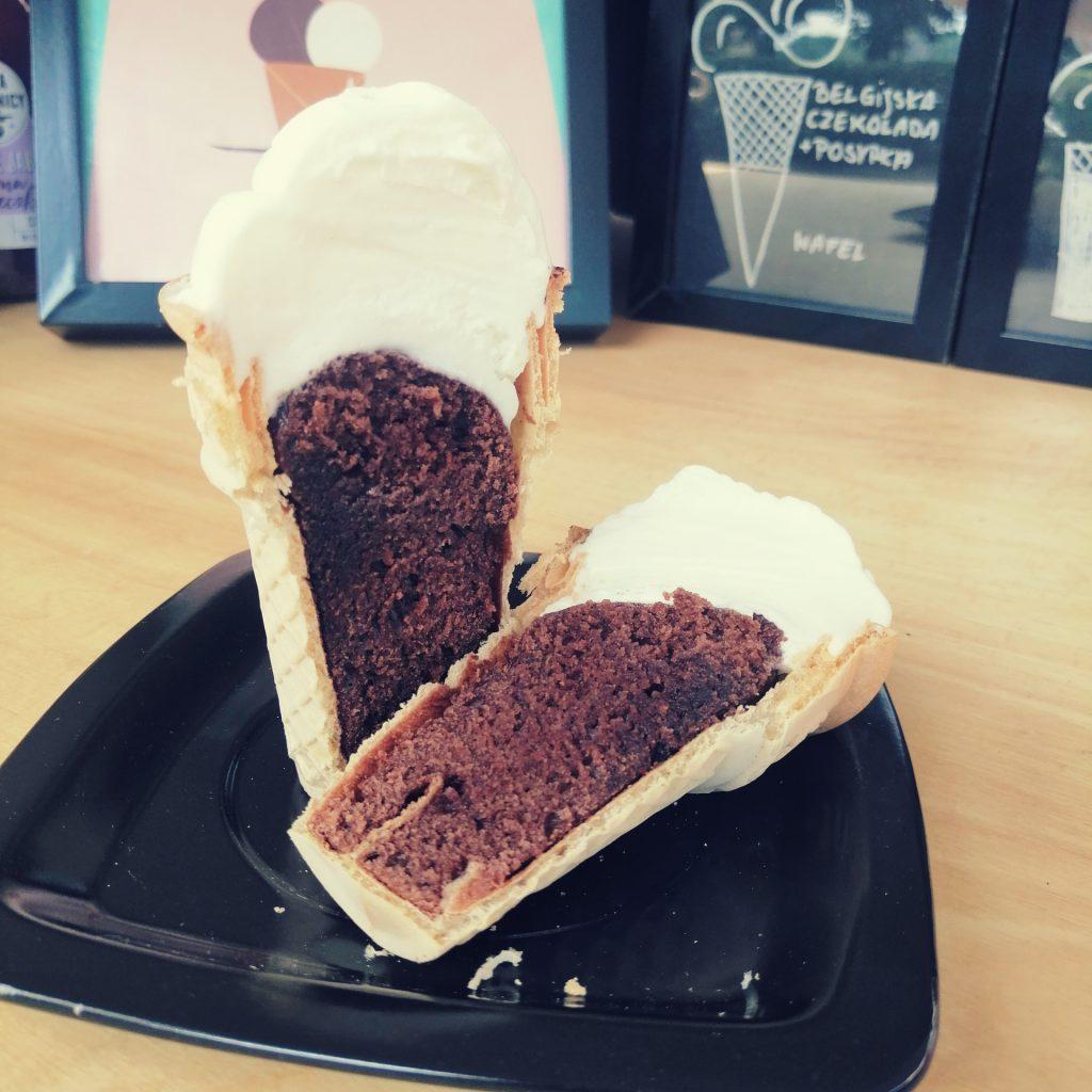 Ice cake z wypieczonym brownie